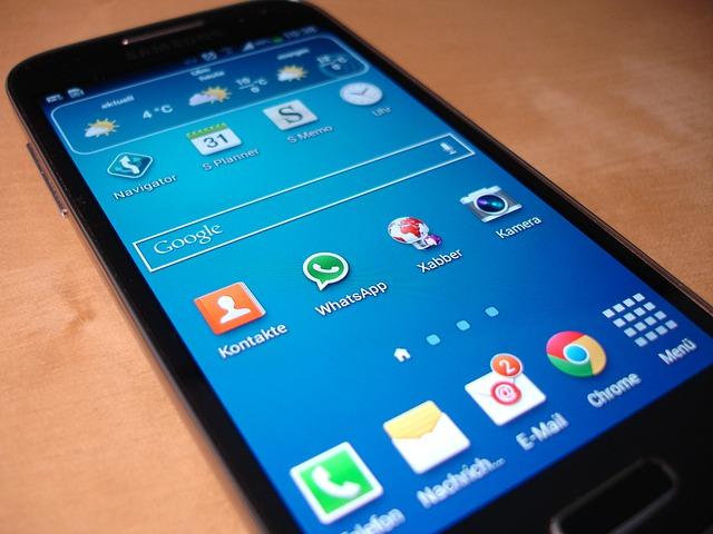 smartphone-325481_640