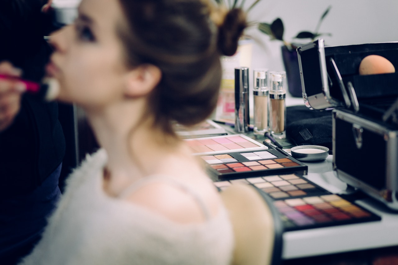 Life changing careers: Travel the world as a freelance makeup artist